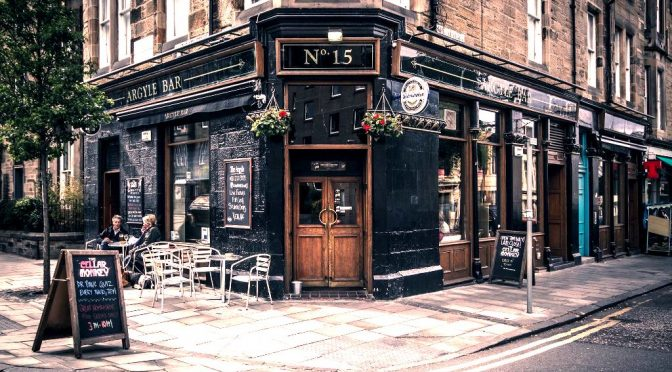 A picture of the outside of the Argyle Pub in Marchmont.
