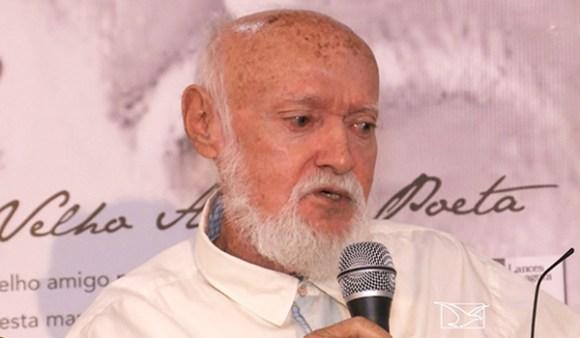 PoetaNauroMachado