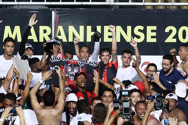 Torcida do Moto Club comemora conquista do 25º título de campeão maranhense