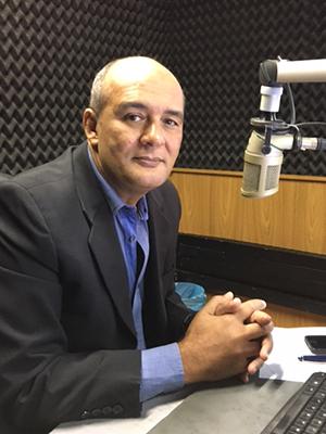 Jornalista Roberto Fernandes não será candidato