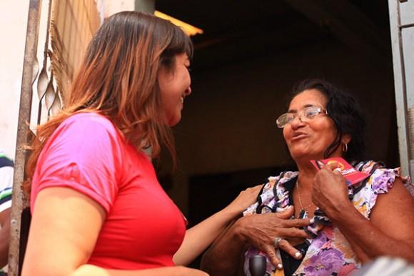 Candidata Eliziane GAma (PPS) segue ouvindo a população e visitando bairros da cidade