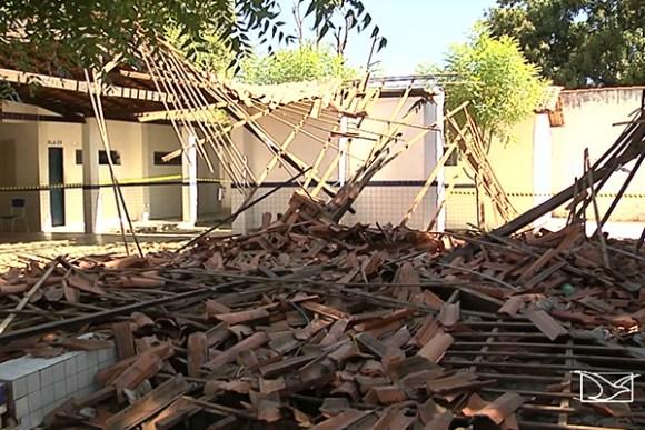 Teto da estadual Arthur da Costa e Silva desaba e deixa dois alunos feridos em Timon
