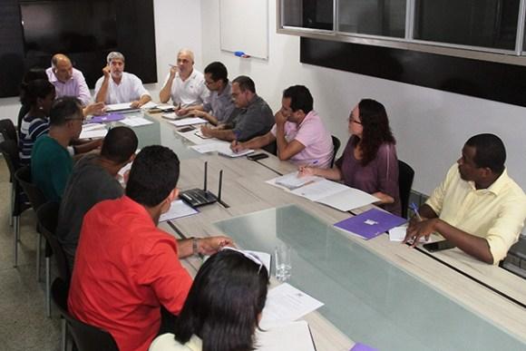 Representantes de candidatos a prefeito participam de reunião na Rádio Mirante AM