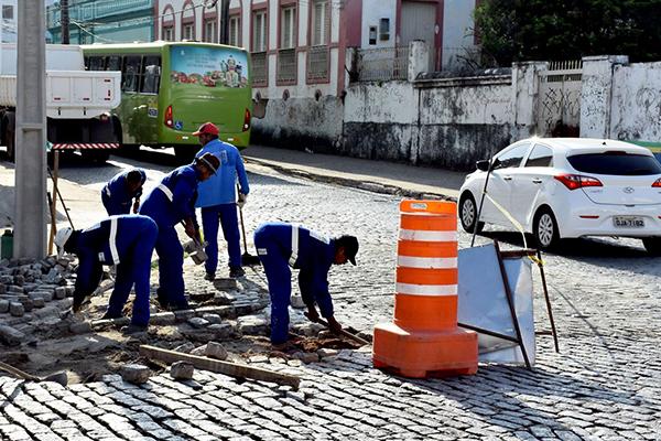 Avançam as obras de recuperação no Centro Histórico de São Luís. Nas ruas Celso Magalhães e do Giz