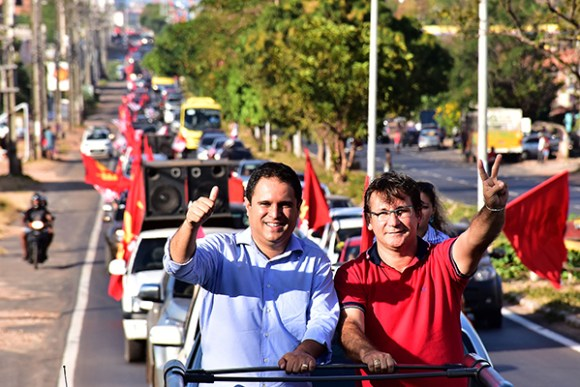 Edivaldo Holanda Jr. e Júlio Pinheiro participa mda Carreata da Vitória na Vila Bacanga