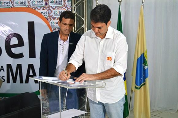 Eduardo Braide assina Carta Compromisso com a Associação Brasileira de Bares e Restaurantes