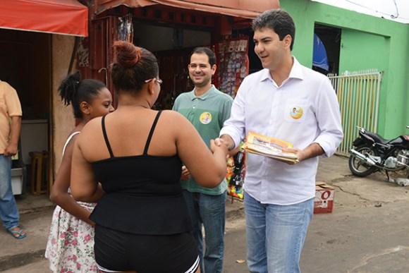 Braide percorreu as ruas conversando com moradores e comerciantes, apresentando o seu Plano de Governo.