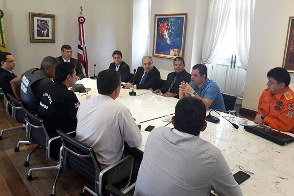 Governador Flávio Dino e prefeito Edivaldo Holanda Júnior se reúnem com a cúpula da Segurança