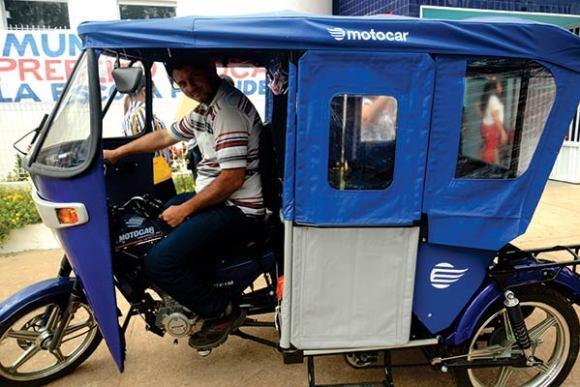 """A escola dispõe ainda do """"Tutu"""", um triciclo que fica à disposição do aluno ou do professor"""