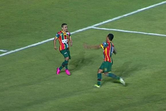 Sampaio vence o Náutico por 4 a 3, no Estádio Castelão em grande noite do atacante Pimentinha