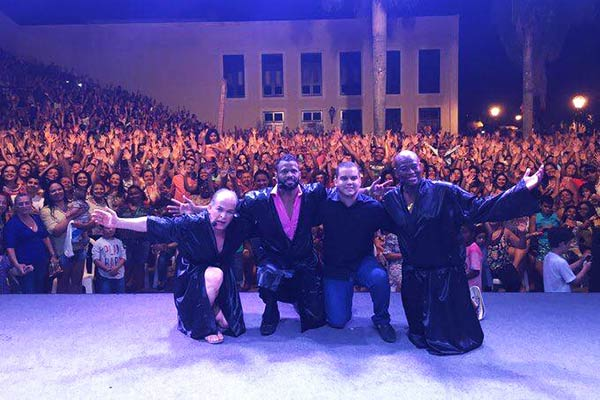 César Boaes, Charles Júnior e Adeílson Santos com o secretário de Cultura e Turismo Diego Galdino