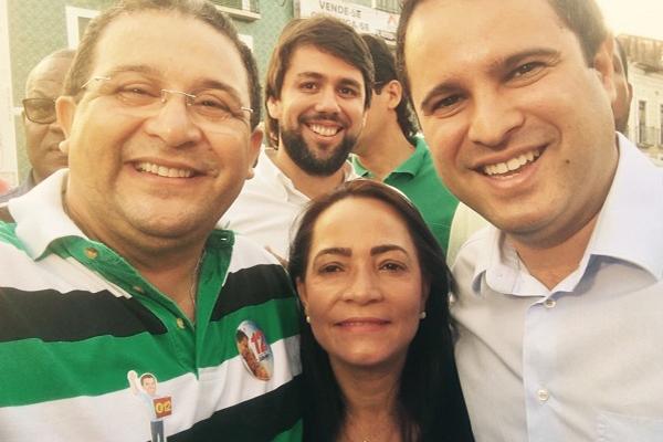 Ex-deputado Jota Pinto, vereadores eleitos Contita Pinto e Pedro Lucas com o prefeito Edivaldo
