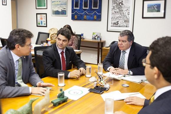 Francisco Nagib e Ricardo Torres visitam o ministro do Meio Ambiente Sarney Filho