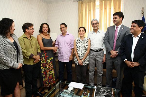 Prefeito reeleito Edivaldo Holanda Júnior recebe visita de dirigentes do PCdoB