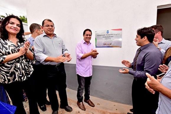 Prefeito Edivaldo Holanda Júnior entreva novo Ecoponto no bairro do Angelim