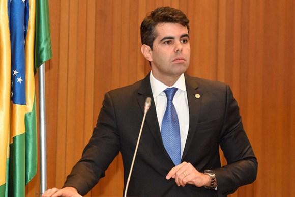 Assembleia Legislativa aprova por unanimidade seis projetos de lei de Adriano Sarney