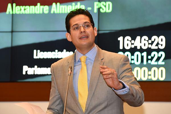 Deputado Alexandre Almeida volta a falar sobre o Programa Mais Asfalto