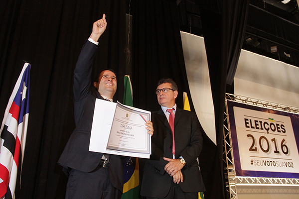 Reeleito para o segundo mandato, o prefeito Edivaldo Holanda Júnior foi diplomado pelo TRE