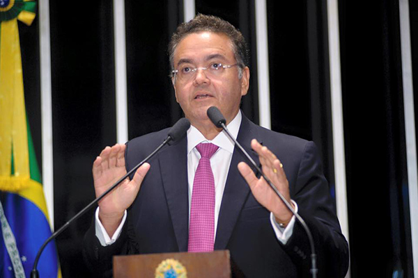 Leia o artigo so senador maranhense Roberto Rocha sobre os impostos no Maranhão e no Brasil