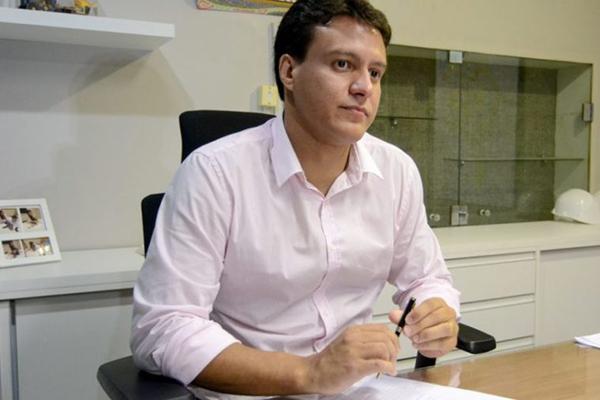O novo desafio de Felipe Camarão na Educação - Zeca Soares