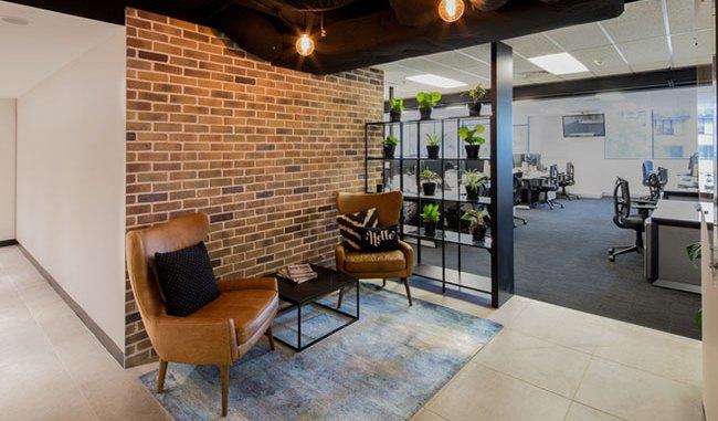 Ambientación sustentable y cómoda promueven un mejor lugar de trabajo