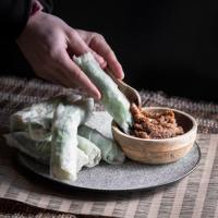 Vietnamese Spring Rolls with Spicy Peanut Satay Sauce