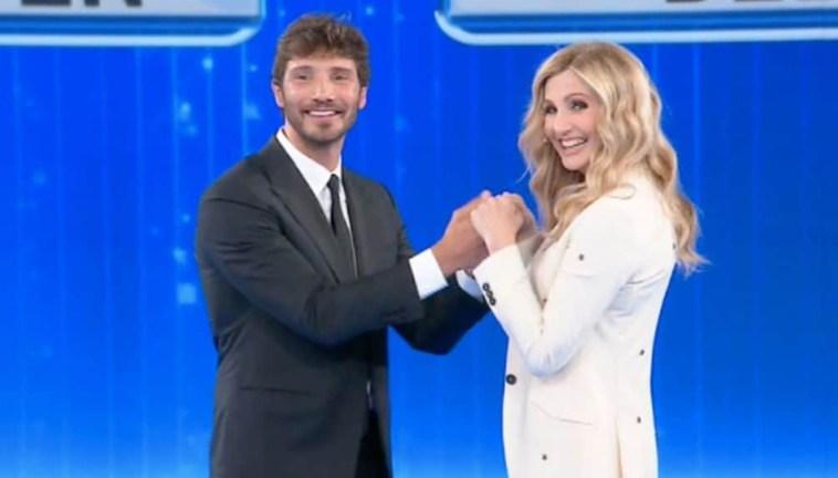 Stefano De Martino insieme a Lorella Cuccarini nella nuova domenica di Canale 5?