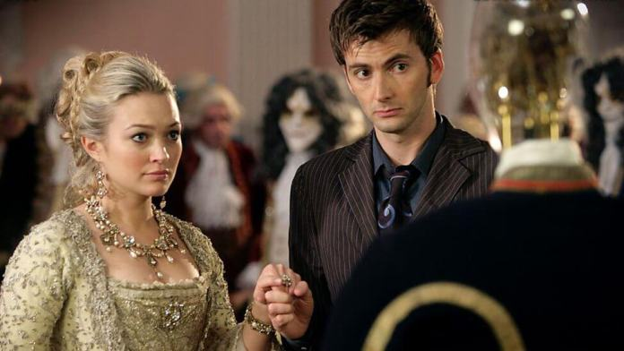 Reinette (Sophia Myles ) and The Doctor (David Tennant) - Doctor Who - The Girl in the Fireplace (c) BBC