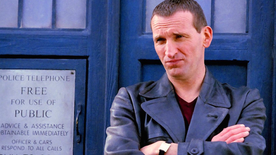 The Doctor (CHRISTOPHER ECCLESTON) and the TARDIS - Doctor Who (c) BBC