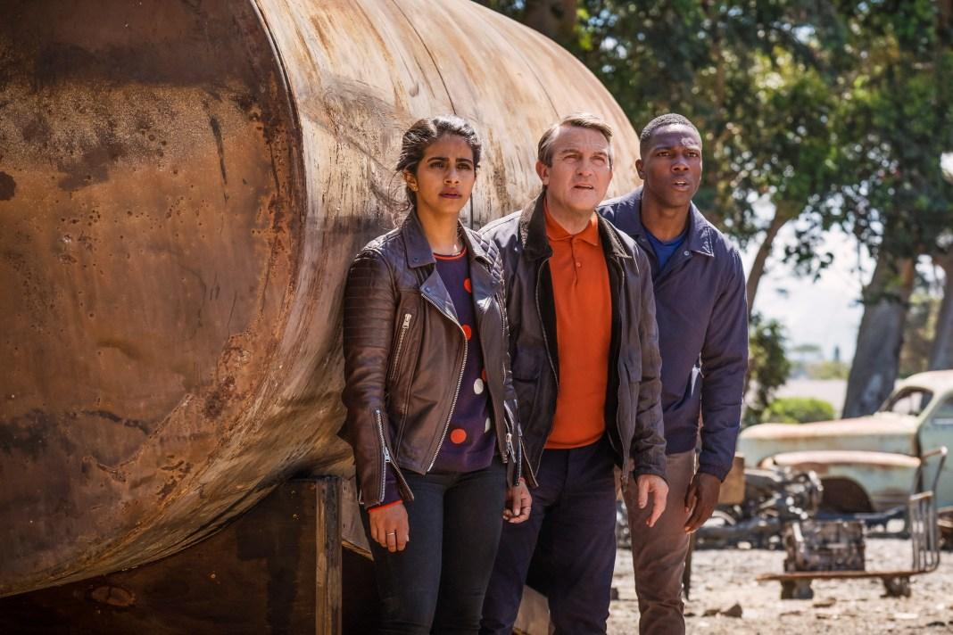 Doctor Who - Series 11 - Yaz (MANDIP GILL), Graham (BRADLEY WALSH), Ryan (TOSIN COLE) - (C) BBC / BBC Studios - Photographer: Coco Van OppensDoctor Who - Series 11 - Yaz (MANDIP GILL), Graham (BRADLEY WALSH), Ryan (TOSIN COLE) - (C) BBC / BBC Studios - Photographer: Coco Van Oppens