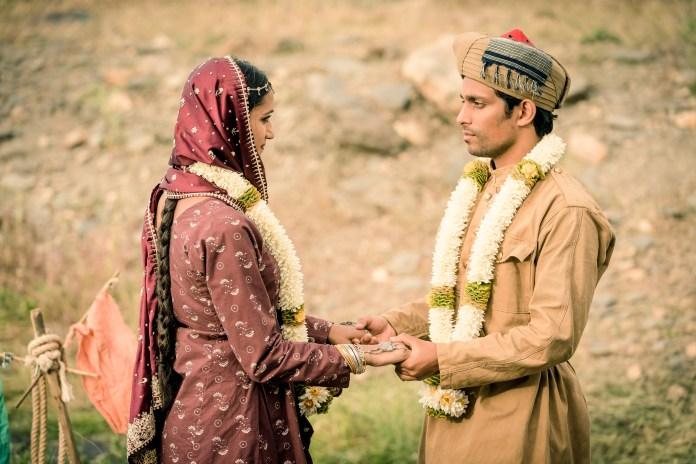 Doctor Who - Series 11 - Episode 6 - Demons of the Punjab - Umbreen (AMITA SUMAN), Prem (SHANE ZAZA) - (C) BBC / BBC Studios - Photographer: Ben Blackall