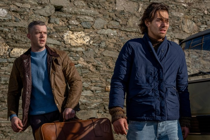 Years and Years - Episode 4 - Daniel (RUSSELL TOVEY), Viktor (MAXIM BALDRY) - (C) Red Productions - Photographer: Matt Squire