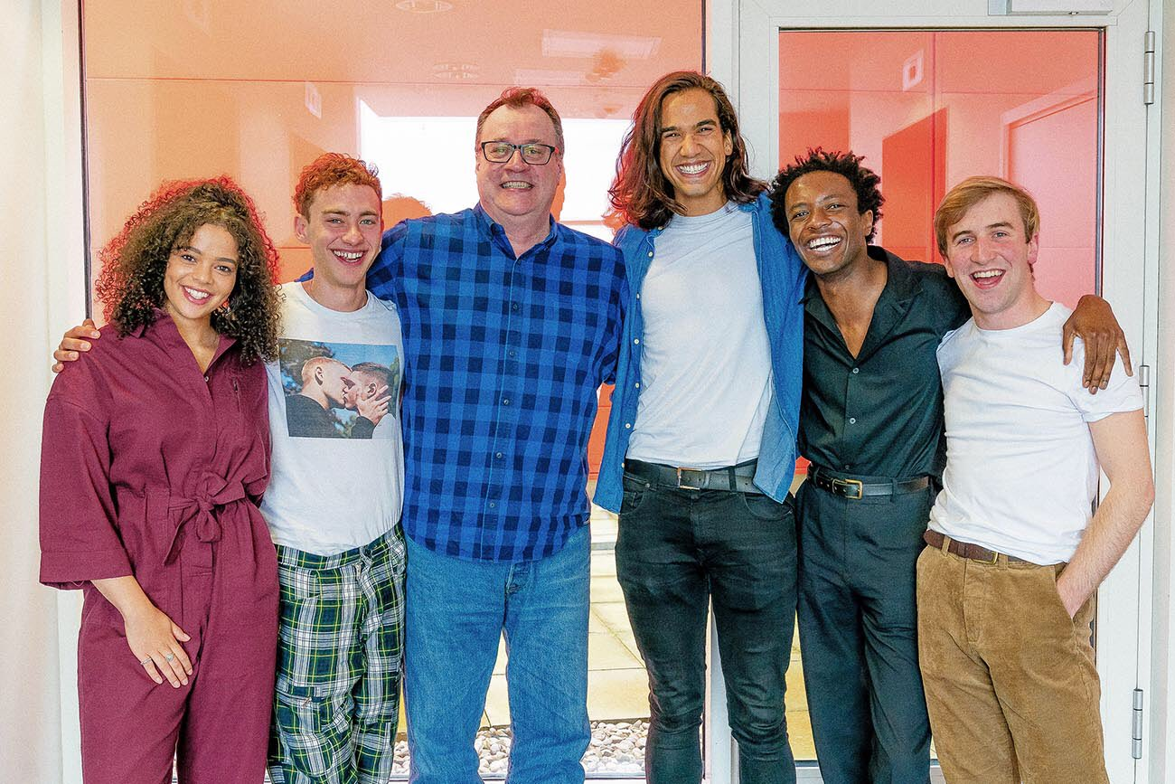 Lydia West (Jill Baxter), Olly Alexander (Ritchie Tozer), Russell T Davies, Nathaniel Curtis (Ash), Omari Douglas (Roscoe Babatunde), and Callum Scott Howells (Colin Morris-Jones) at the Boys readthrough (c) Channel 4 It's a Sin