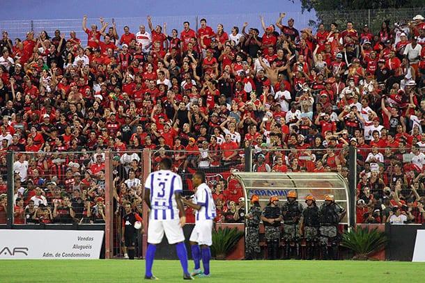 Torcida Xavante compareceu em grande número no Bento Freitas. Foto: Italo Santos