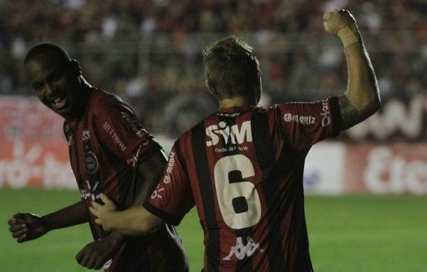 Nena e Rafael Forster marcaram os gols da vitória Xavante. Foto: Diário Popular