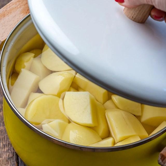 Reteta de Piure de Cartofi Pufos si Cremos 11