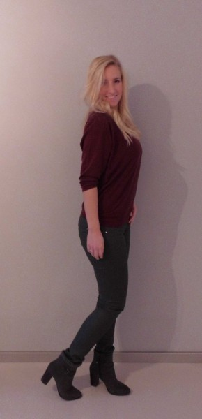 OOTD-outfit-bordeaux-rood-shirt-WE-en-grijze-leer-look-broek-Stradivarius-boots-Stradivarius-2