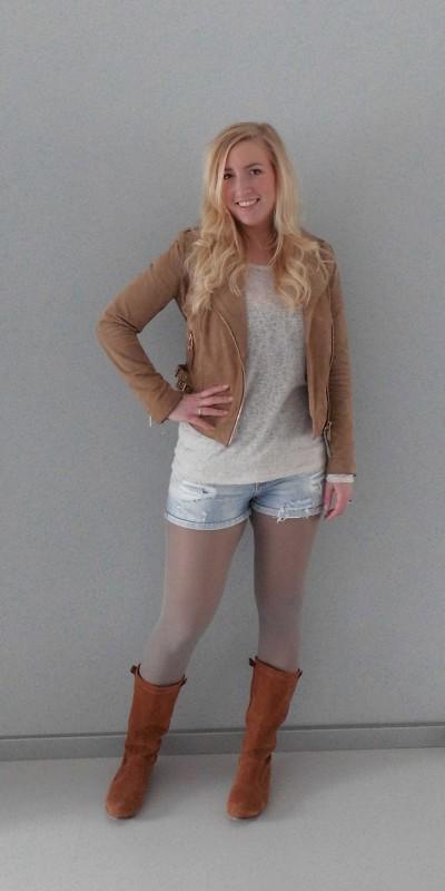 ootd-outfit-waisted-shorts-zara-boots-stradivarius-trui-forever-21-leather-jacket-leren-jasje-mango-1