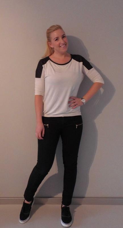 OOTD-outfit-of-the-day-black-white-zwart-wit-broek-vans-van-haren-en-bershka-1