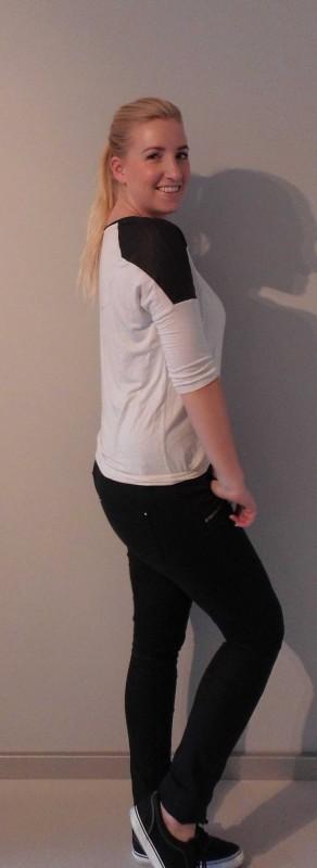 OOTD-outfit-of-the-day-black-white-zwart-wit-broek-vans-van-haren-en-bershka-2