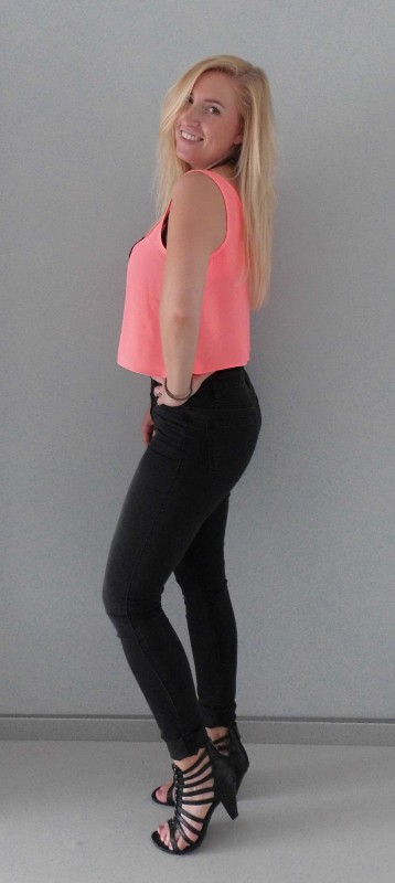 OOTD-outfit-of-the-day-crop-cropped-top-forever-21-statement-necklace-ketting-pieces-highwaisted-jeans-vero-moda-gladitor-2