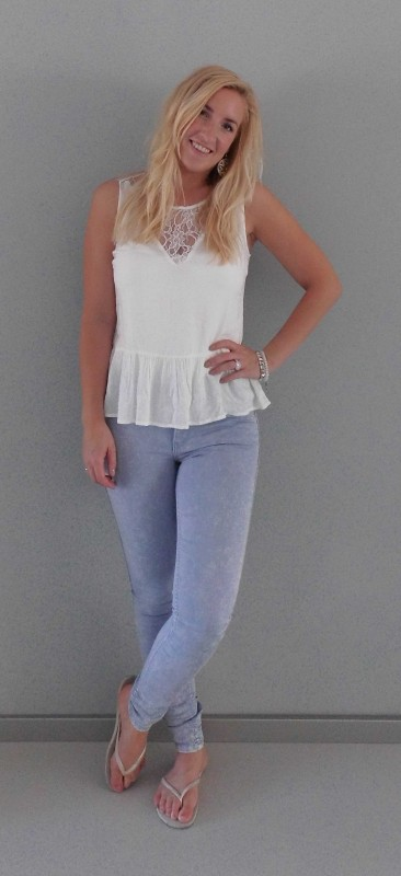 OOTD-outfit-of-the-day-peplum-top-vero-moda-kant-high-waisted-legging-jeans-vero-moda-pieces-havaianas-2