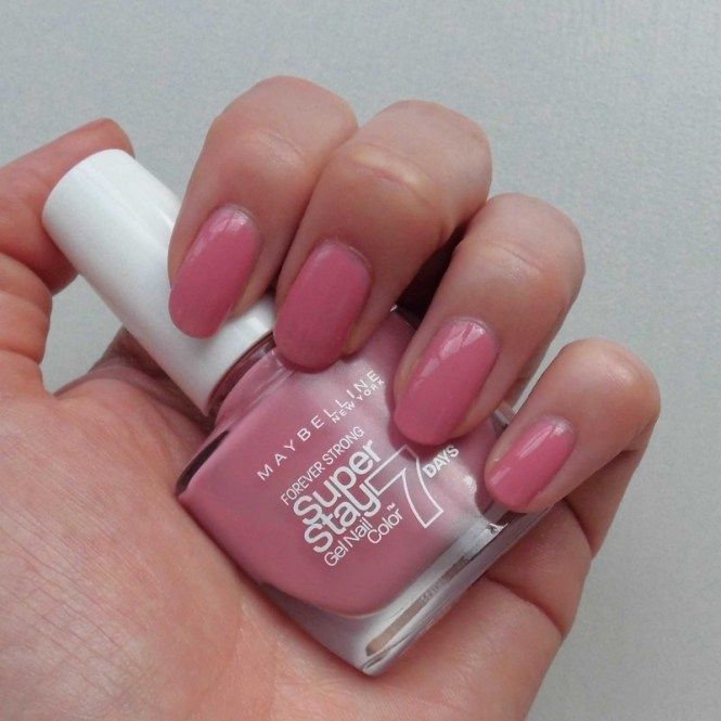 NOTD-Nails-nagellak-nailpolish-Maybelline-super-stay-135-nude-rose-1