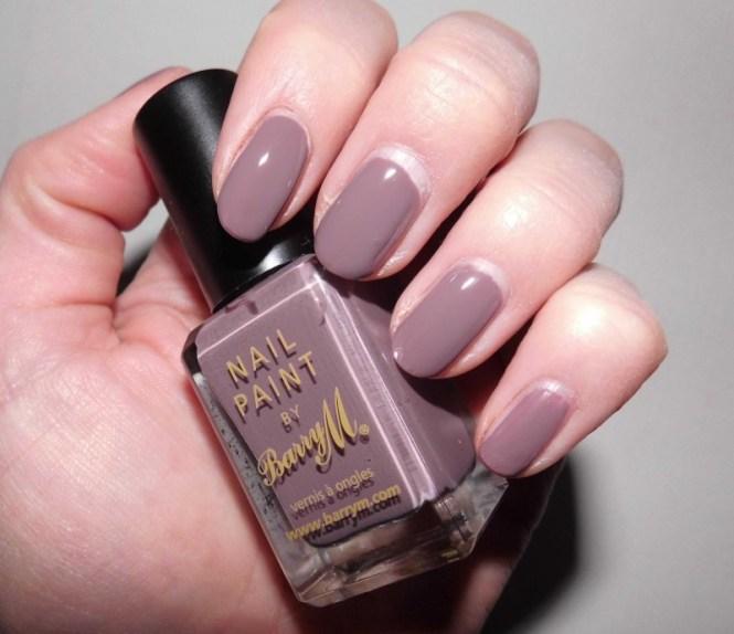 NOTD-nails-Barry-M-nailpolish-in-341-Cappucino-2