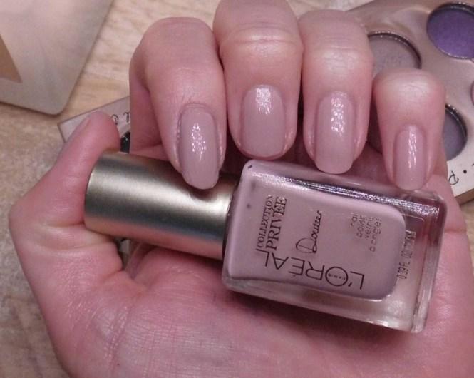 NOTD-nagels-L'Oréal-Collection-Privee-Doutzen-Nude-nailpolish-nagellak-review-2