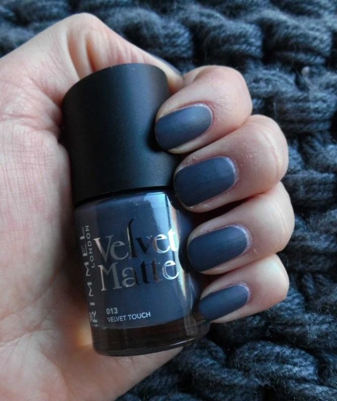 NOTD-nagels-nails-nailpolish-nagellak-rimmel-london-velvet-touch-matte-4