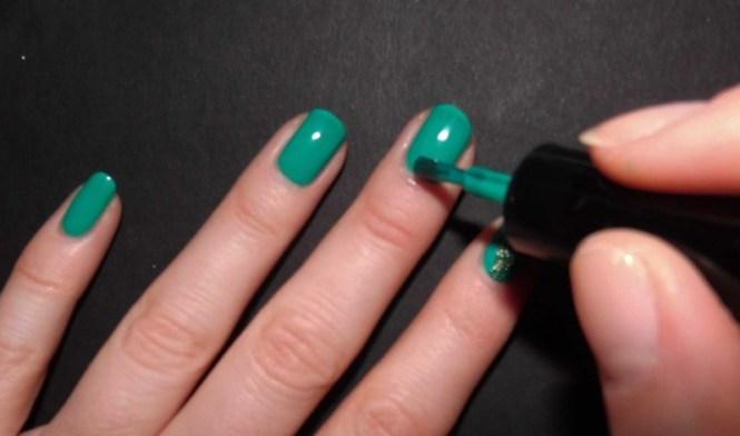 Kerst-nailart-nails-nagellak-nagels-NOTD-ciaté-caviar-glitter-groen-green-emerald-7