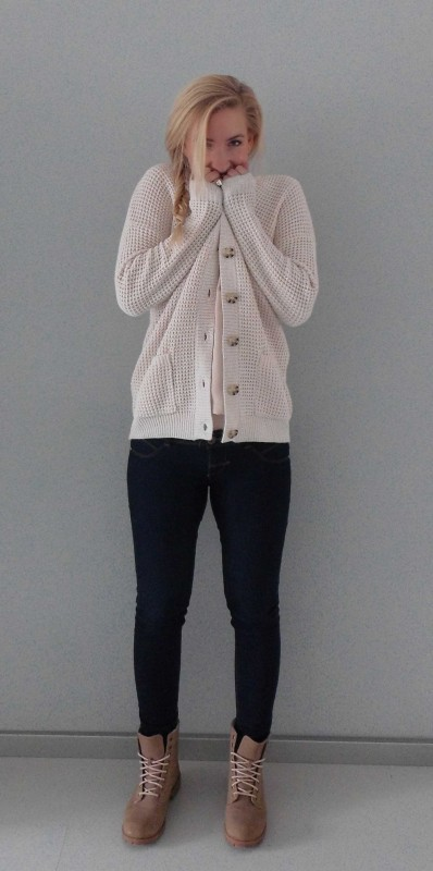 OOTD-outfit-beige-nude-stoer-soft-casual-boots-H&M-bershka-zara-4
