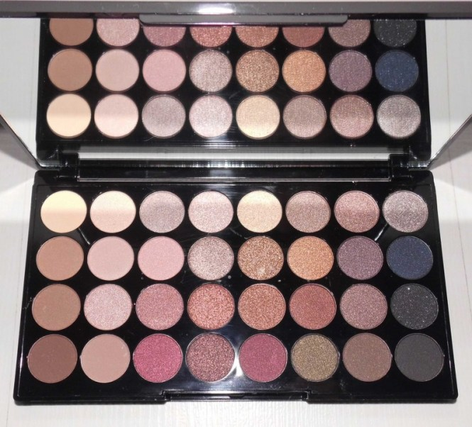 Review-makeup-revolution-london-flawless-ultra-eyeshadow-32-palette-blondiebeautyfashion-look-4