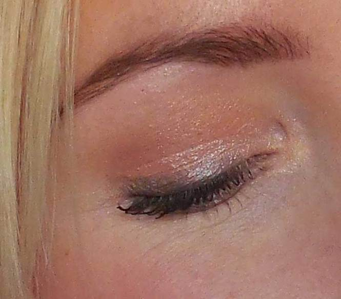 review-makeup-geek-foiled-eyeshadow-in-the-spotlight-en-beaches-and-cream-oogschaduw-look-bruiloft-1